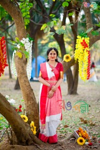 Red with White Chumki Saree With Blouse Piece