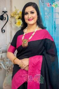 Black with Majenta Chumki Saree With Blouse Piece