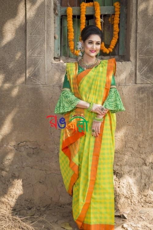 Parrot Yellow Check Chumki Saree With Blouse Piece
