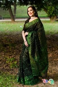 320-Halfsilk Black Green Jamdani Saree
