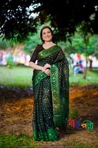 New Halfsilk Jamdani Black With Green 7 Star Color Saree
