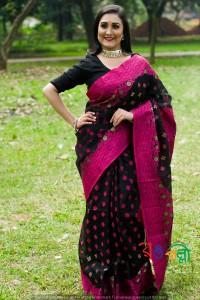New Halfsilk Jamdani Black-Majenta With Golden Color Saree