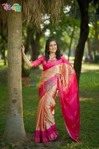 Piece Golden Color Silk Saree With Blouse Piece